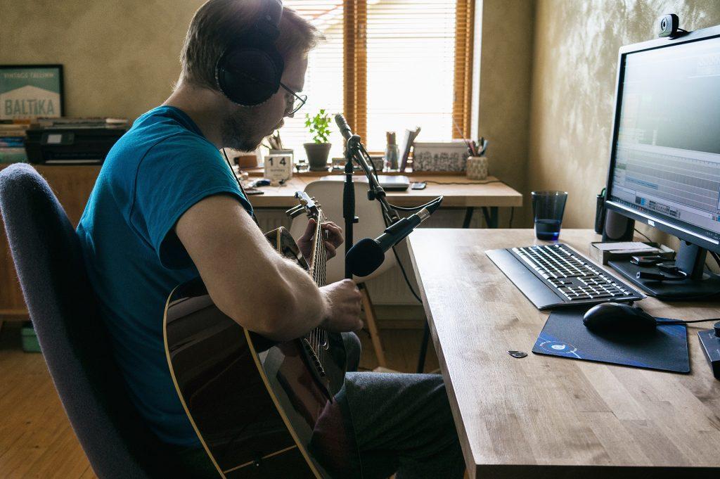 Ivo playing guitar