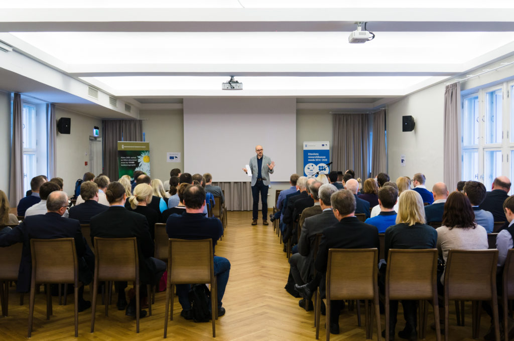 Rasmus Rask talking at an event